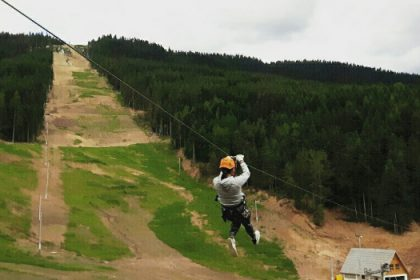 Zip-line vožnja u Ski centru Ravna Planina